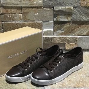 New with box Michael Kors Brown logo city shoes